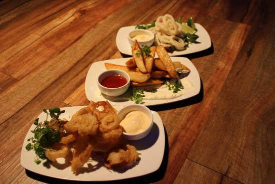 Clippers Bar  Grill - Sunshine Coast Tourism