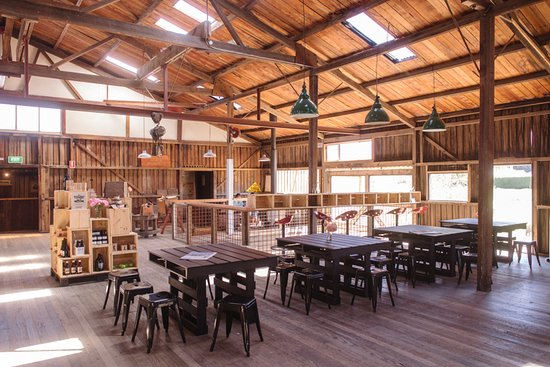 Willie Smith's Apple Shed - Sunshine Coast Tourism