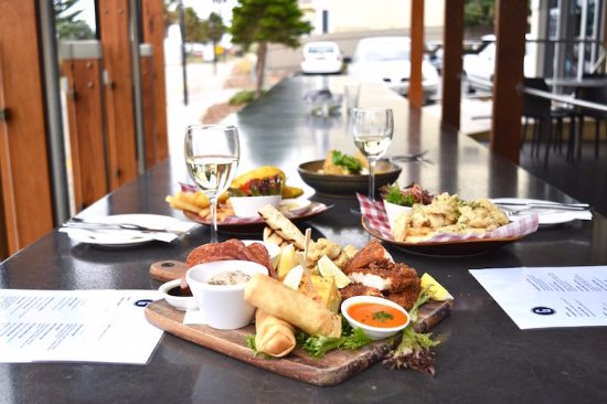 Grange Hotel Restaurant - Sunshine Coast Tourism