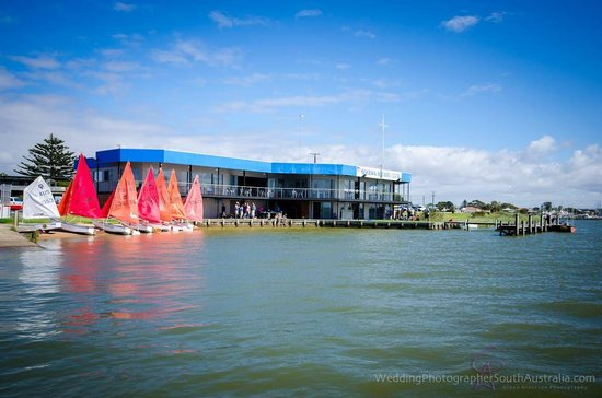 Goolwa Aquatic Club Restaurant - Sunshine Coast Tourism