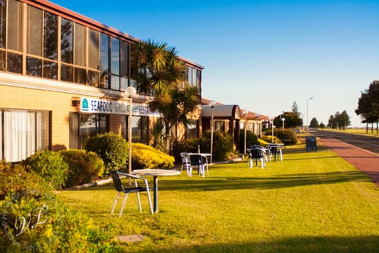 Lacepede Bay Motel  Restaurant - Sunshine Coast Tourism