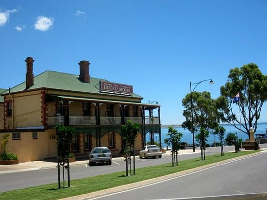 Streaky Bay Hotel - Sunshine Coast Tourism
