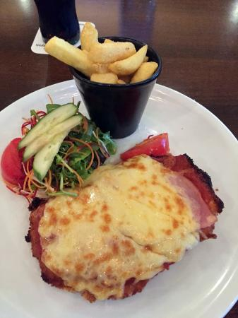 Arundel Tavern - Sunshine Coast Tourism