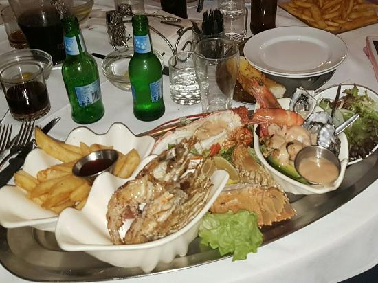 Ashmore Seafood and Steakhouse - Sunshine Coast Tourism