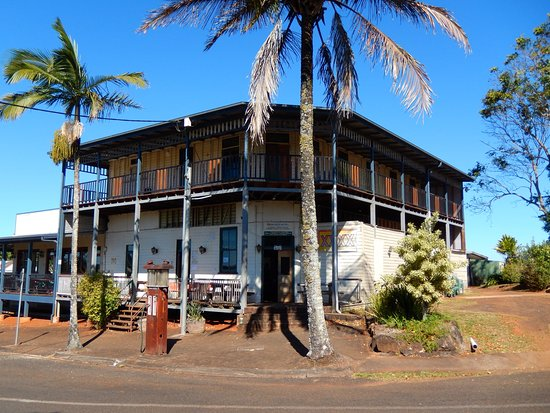 Peeramon Hotel - Sunshine Coast Tourism