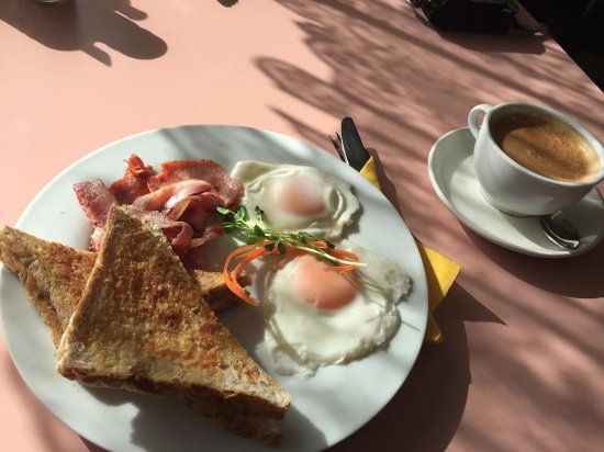 Travellers Rest Cafe - Sunshine Coast Tourism