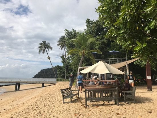 Sunset Bar Dunk Island - Sunshine Coast Tourism