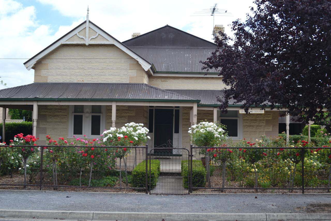 Tin House in Tanunda - Sunshine Coast Tourism