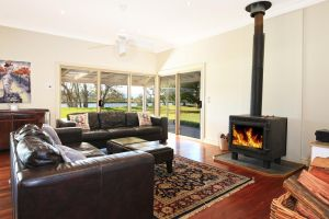 Terara Riverside Retreat - Sunshine Coast Tourism