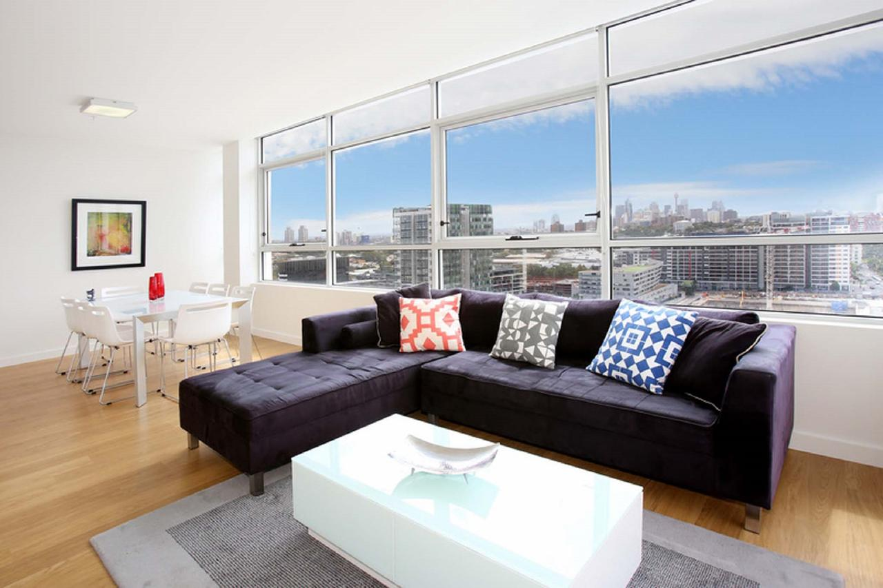 Gadigal Groove - Modern and Bright 3BR Executive Apartment in Zetland with Views - Sunshine Coast Tourism