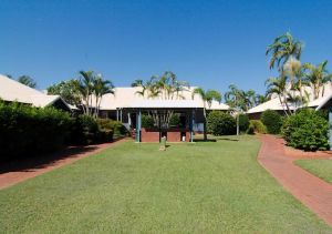 Cable Beach Apartments - Sunshine Coast Tourism