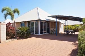 Osprey Holiday Village Unit 122/2 Bedroom - Perfectly neat and tidy apartment - Sunshine Coast Tourism