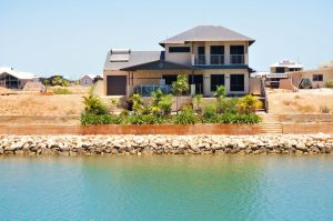 27 Corella Court - Exquisite Marina Home With a Pool and Wi-Fi - Sunshine Coast Tourism