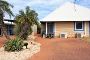 Osprey Holiday Village Unit 213/1 Bedroom - Spa bath king size bed perfect for any couple - Sunshine Coast Tourism