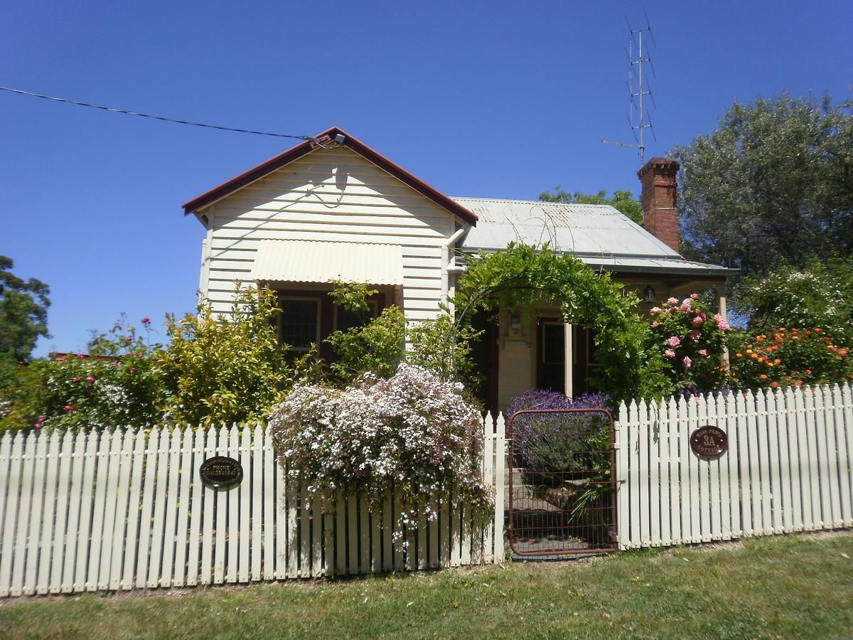 Miss Pym's Cottage - Sunshine Coast Tourism