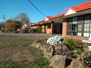 Ambassador Motor Inn - Sunshine Coast Tourism