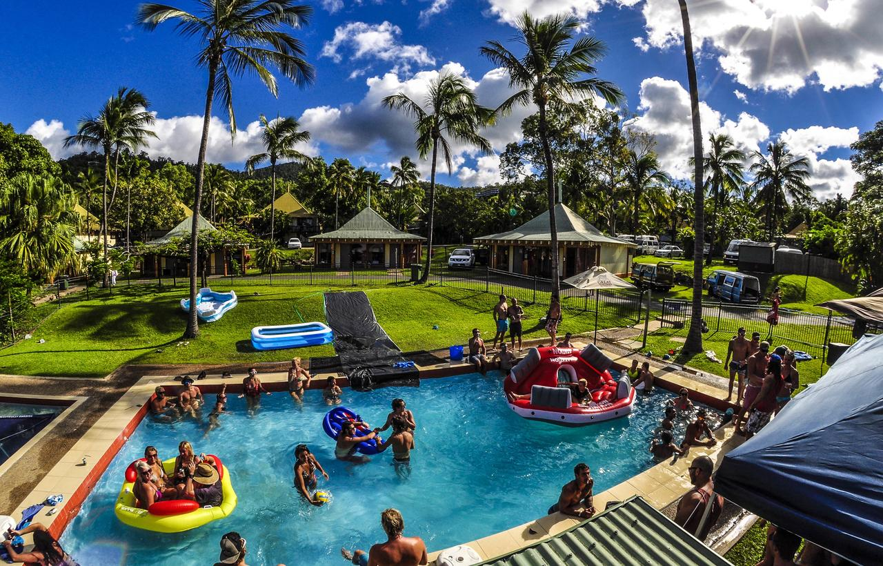 Nomads Airlie Beach - Sunshine Coast Tourism
