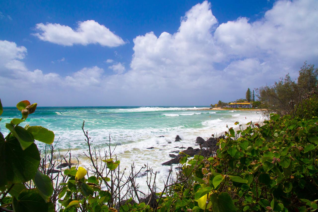 Rainbow Bay Backpackers - Sunshine Coast Tourism