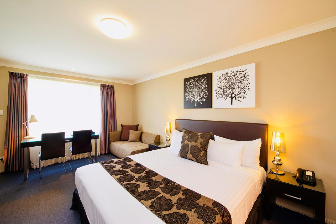 Best Western Plus Ambassador On Ruthven Motor Inn - Sunshine Coast Tourism