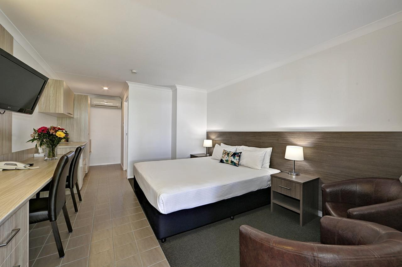 Smart Motels Bert Hinkler - Sunshine Coast Tourism