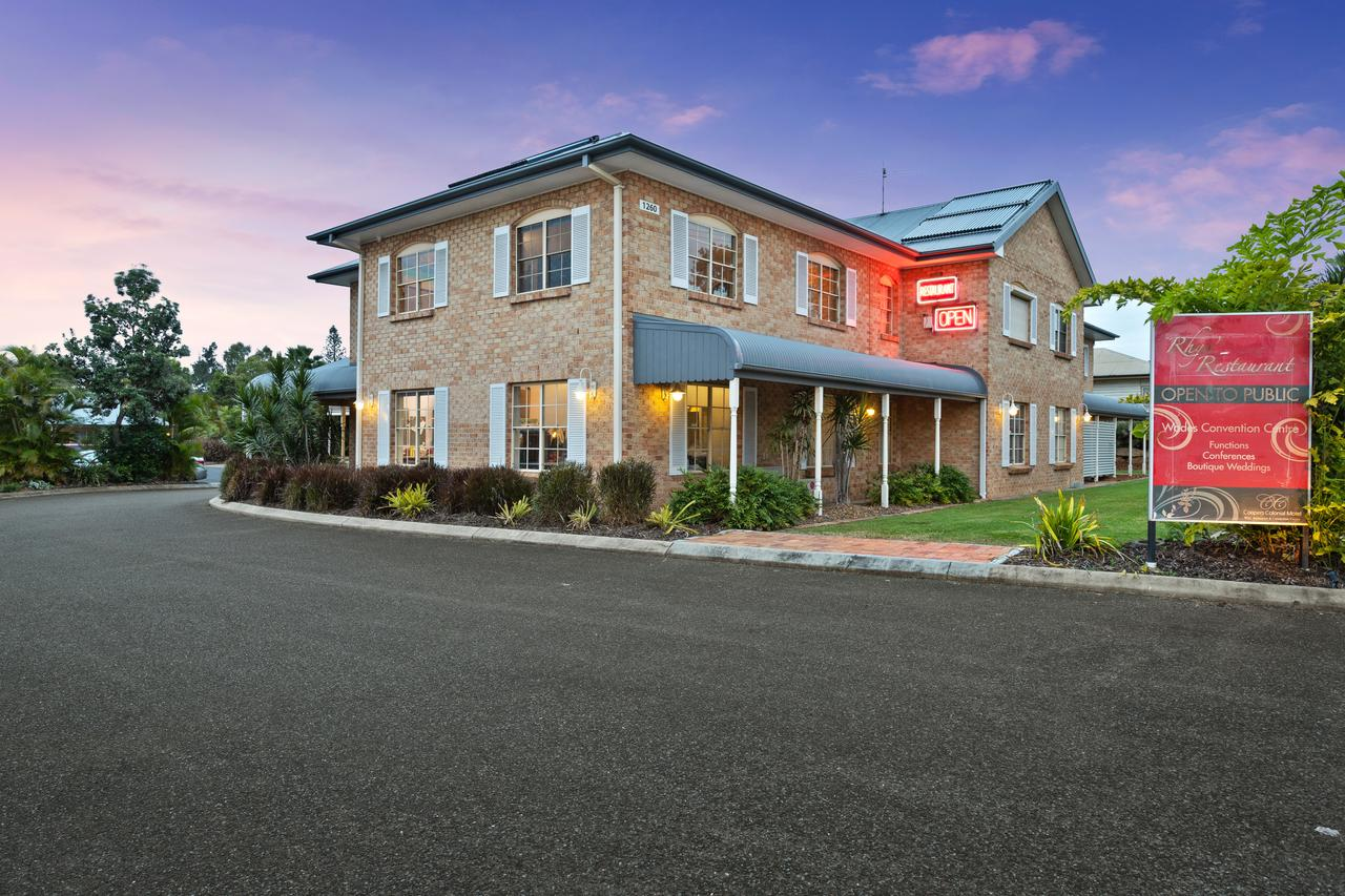 Coopers Colonial Motel - Sunshine Coast Tourism