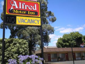 Alfred Motor Inn - Sunshine Coast Tourism